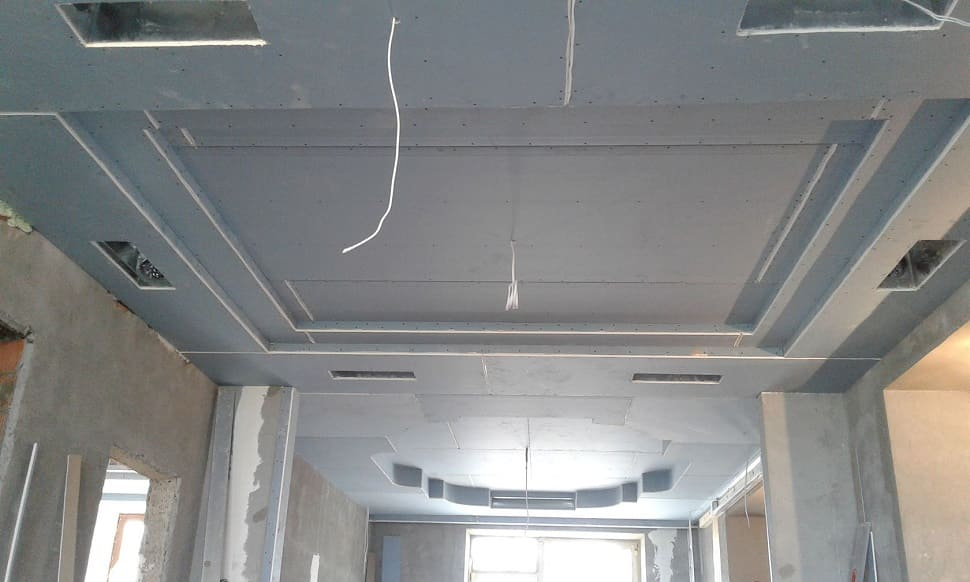 Особливості технології монтажу гіпсокартону на стелю